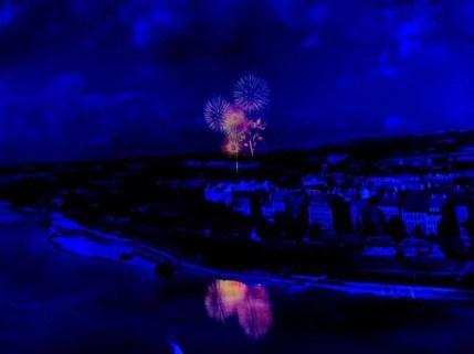 Dresden bei Nacht mit Feuerwerk