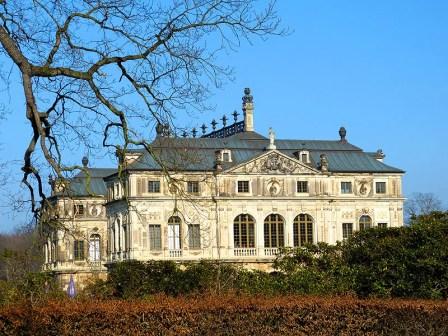 Blick aufs Palais