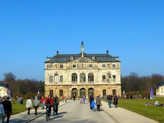 Weg zum Palais im Großen Garten