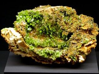 Grün gelber Kristall - terra mineralia