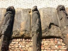 Steinskulpturen an der Zionskirche