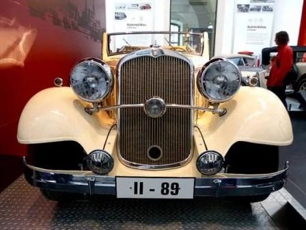 Oldtimer Cabrio beige