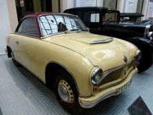 Altes Auto beige