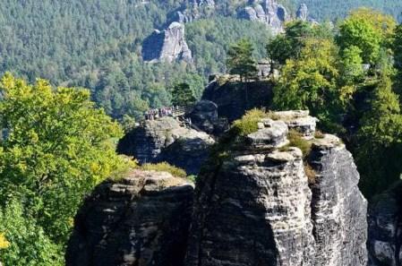 Ausflugsziel Bastei und Felsenburg Neurathen in der Sächsischen Schweiz Felskuppen