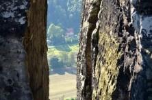 Ausflugsziel Bastei und Felsenburg Neurathen in der Sächsischen Schweiz Felsspalte