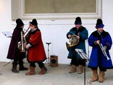 Weihnachtsmarkt Dresden Russische Band