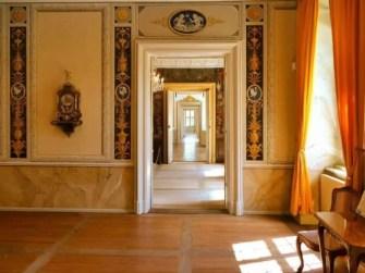 Viele Türen Schloss Rammenau
