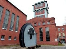 Bergbaumuseum Oelsnitz Außenansicht mit Turm