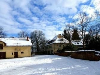 Hofansicht Jagdschloss Grillenburg