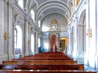 Kapelle mit Bänken