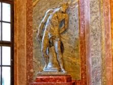 Skulptur eines Mannes
