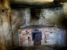 Alter Ofen gemauert Küche