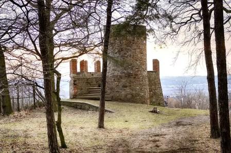 Ruine Weinböhla Wartturm Steine