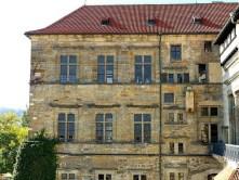 Altes Gebäude große Fenster