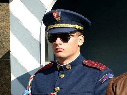 Uniform Sonnenbrille Mütze