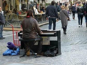 Straßenmusiker Klavier