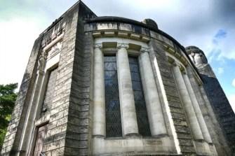 verwitterte Außenansicht Urnenhain Tolkewitz Krematorium
