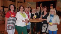Foto zeigt v.l.n.r. Stefanie Hartmann, Grit Hartmann, Claudia Neubert, Marion Jagst, Heidi John, Lisa Schreiter, Sybille Schreiter, Rosmarie Weser und Jana Hillmann