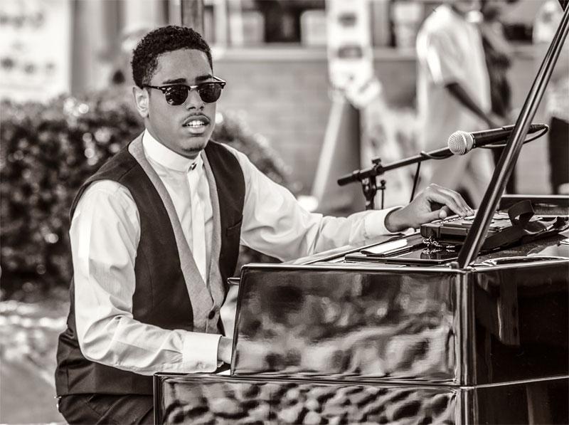 Amerikaner Matthew Whitaker spielt bei den Jazztagen Dresden