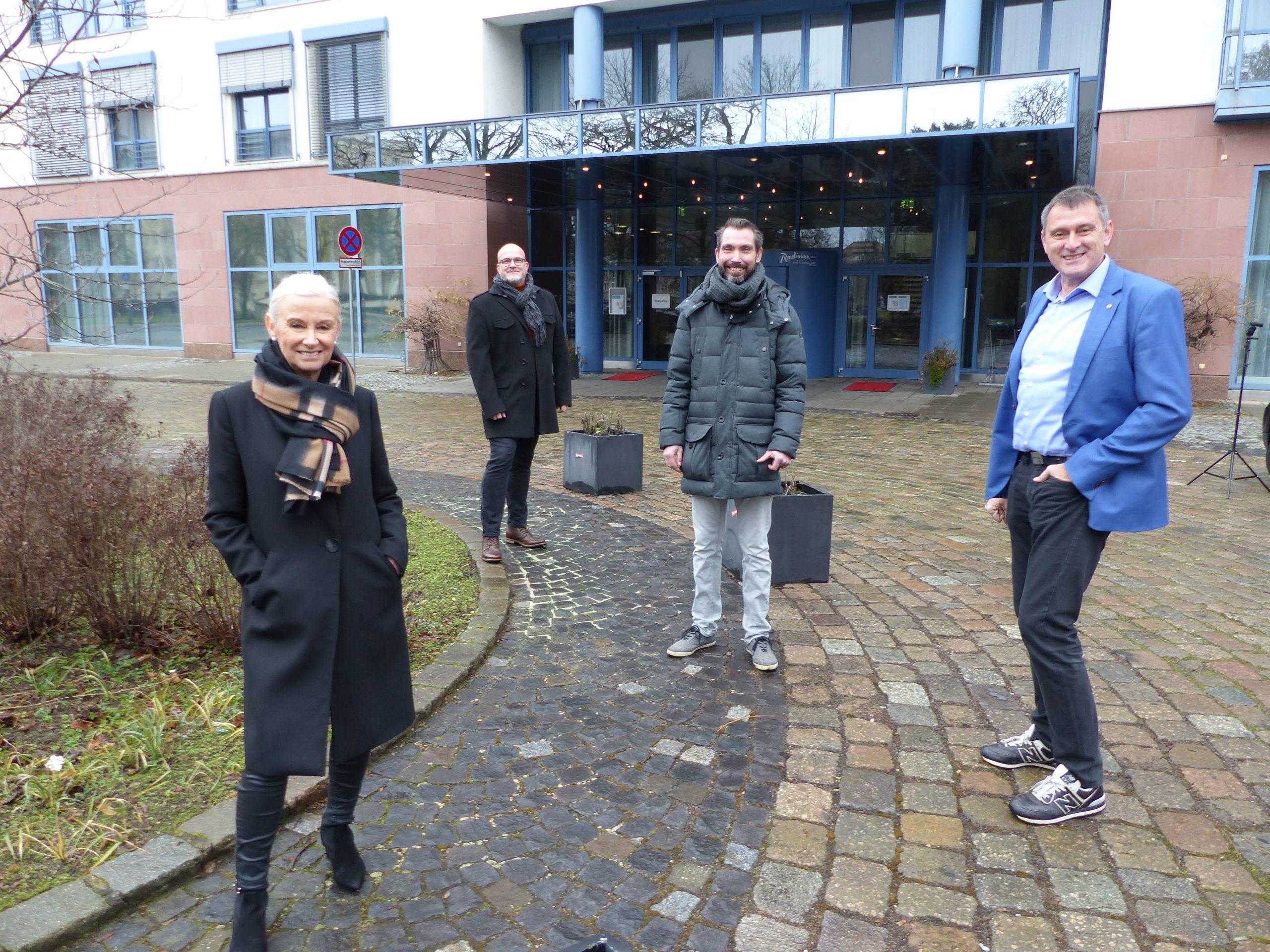 BNI v.l.n.r. Christiane Bünning, Sven Doberitzsch, Hagen Lichey und Jens Fiedler. Bildquelle: meeco Communication Services