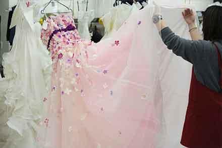ウエディングドレスの裾汚れ