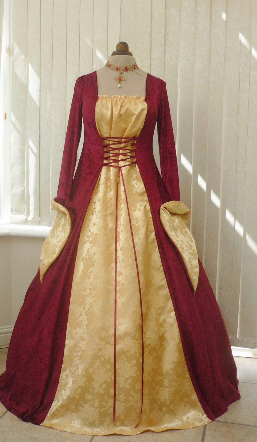 Medieval Gowns  DressedUpGirlcom
