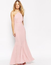 What to Wear to an April Wedding