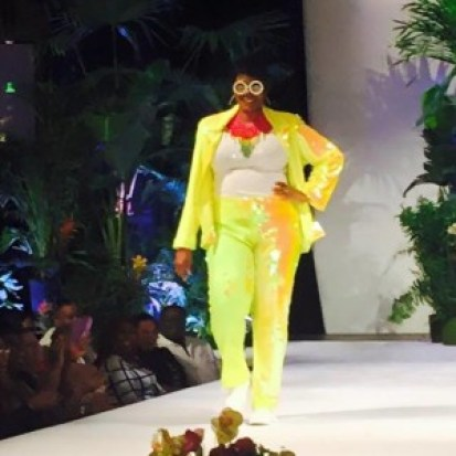 Gwen on runway - yellow