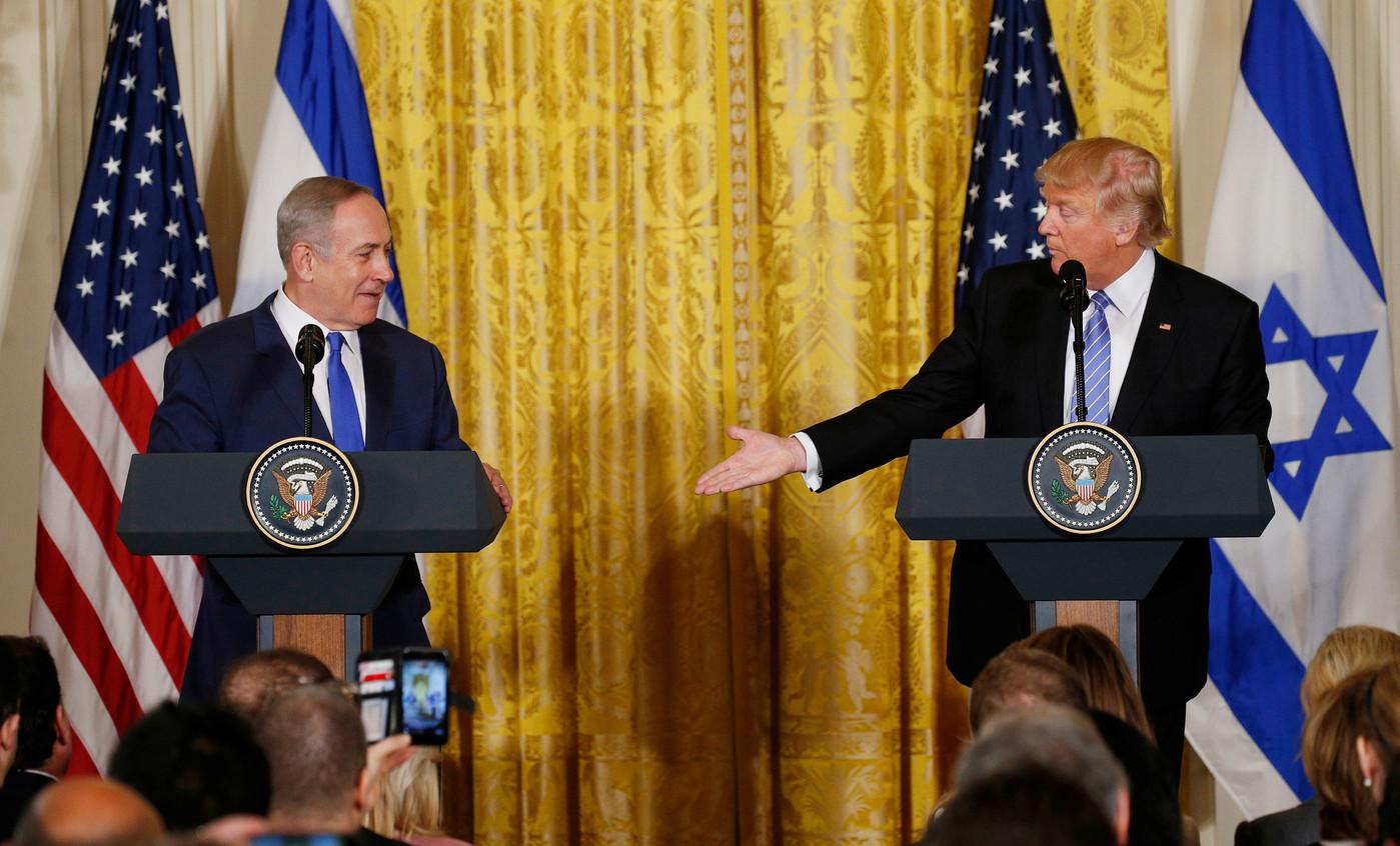 https://i0.wp.com/www.dreuz.info/wp-content/uploads/2017/02/Premier-Ministre-israelien-Benjamin-Netanyahou-President-Etats-Unis-Donald-Trumpdune-conference-presse-Maison-Blanche-Washington-15-Fevrier-2017_0_1400_846.jpg