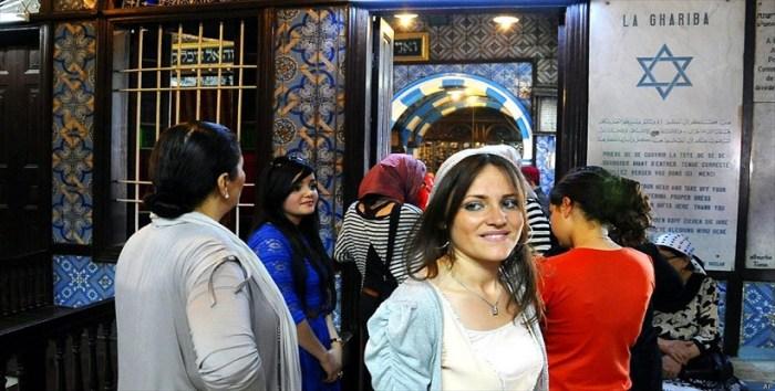 les communistes tunisiens veulent promulguer une loi pour interdire aux familles juives de