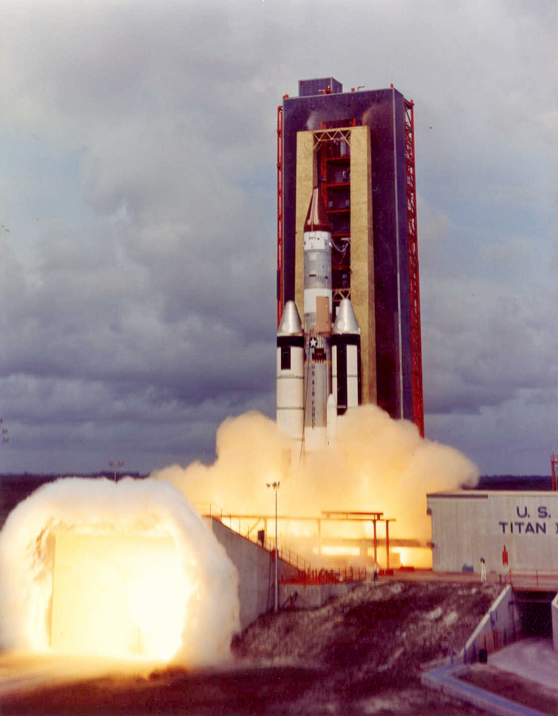 Titan_IIIC-11_launch.jpg