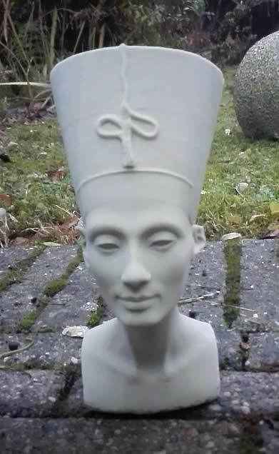Nefertiti Buste