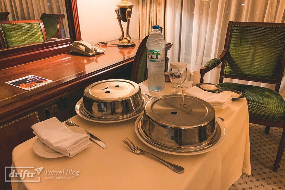 Zimmerservice im Hotel