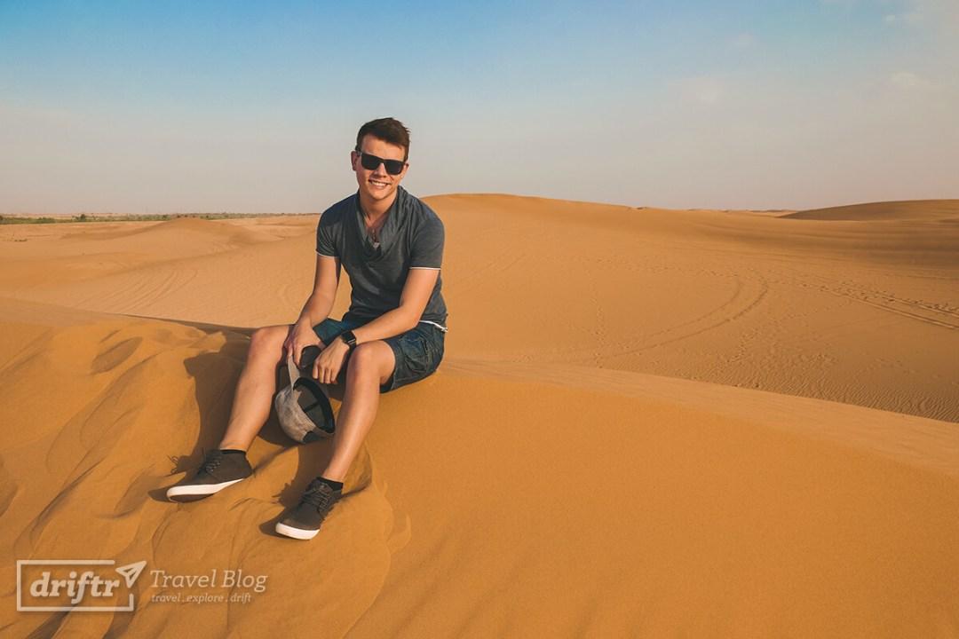Massimo testet die Sitzqualität des Sands