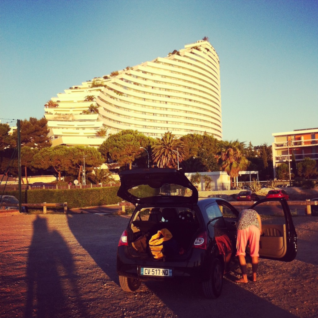 Packing up our Renault Twingo rental car in Provence after sleep at the beach