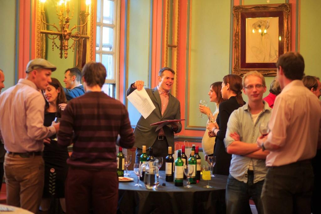Preston enlightening a group of wine lovers in Paris