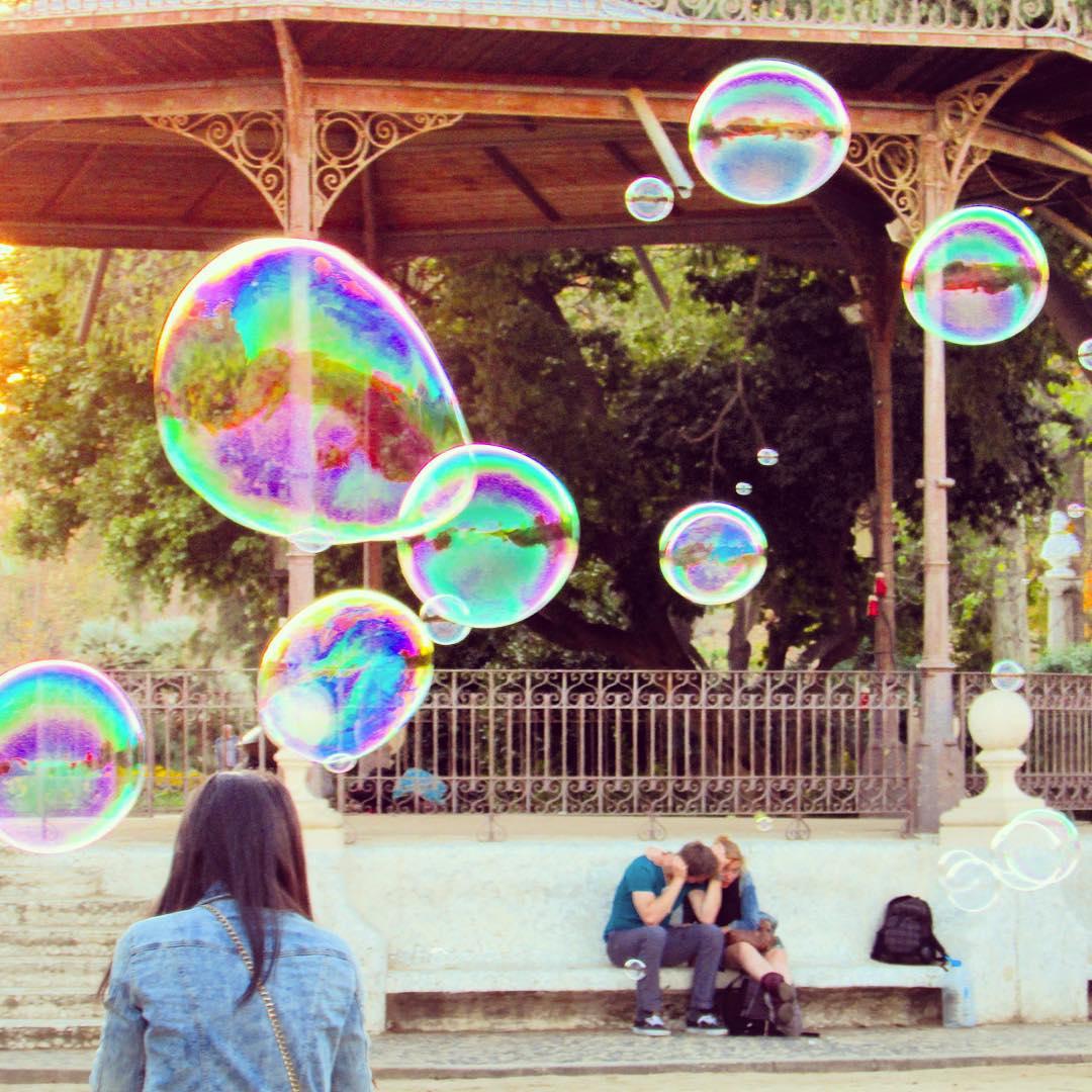 Bubble blowers in Parc Ciutadella