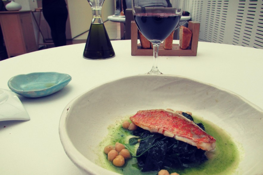 fish-and-wine-at-riff-michelin-starred-restaurant-in-valencia