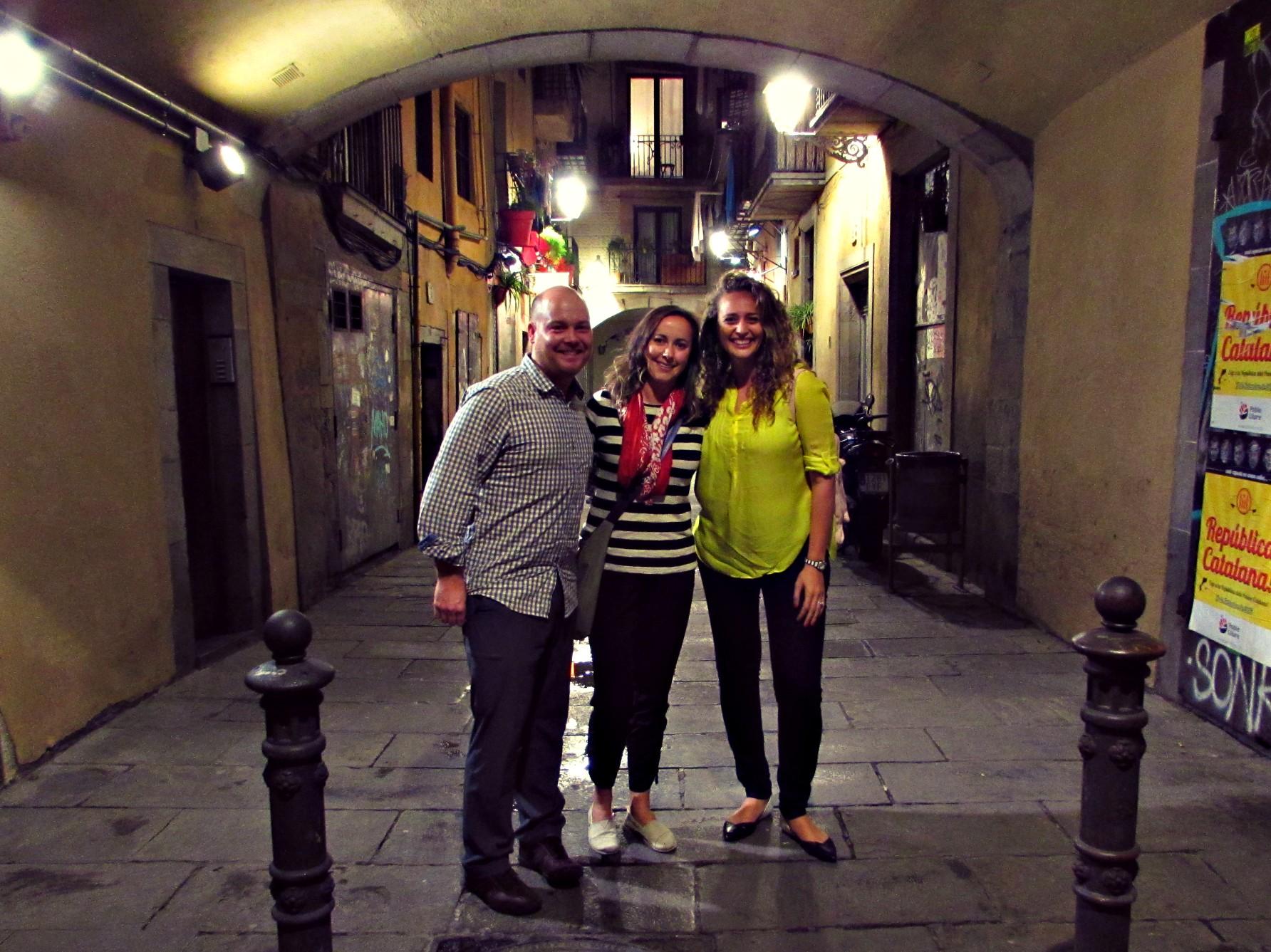 new-friends-on-the-wanderbeak-food-tour-in-barcelona