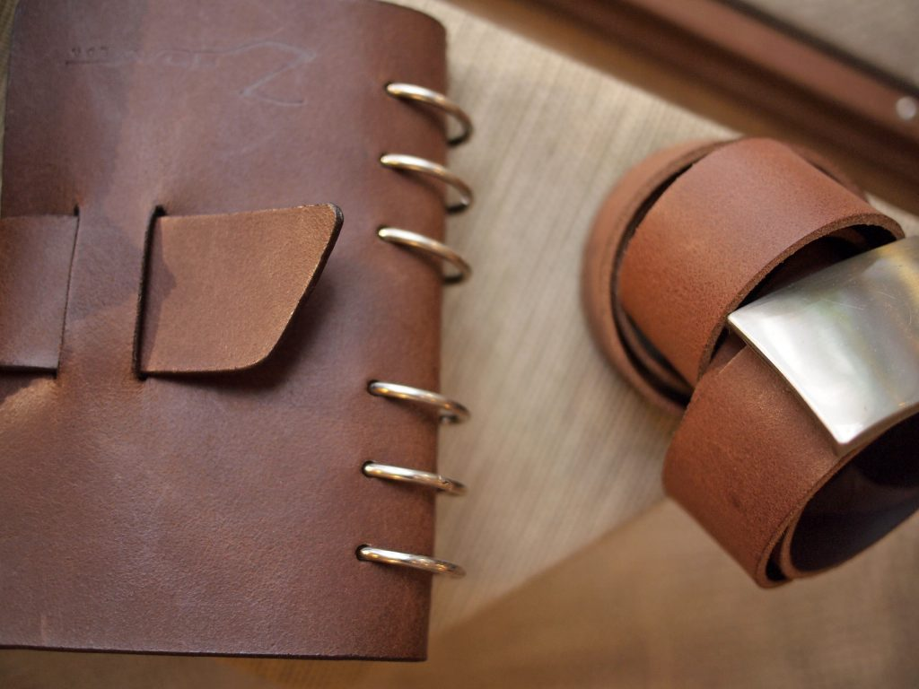 Zoen Luxury Leather Items / Atelier and Shop in Barcelona's Gothic Quarter