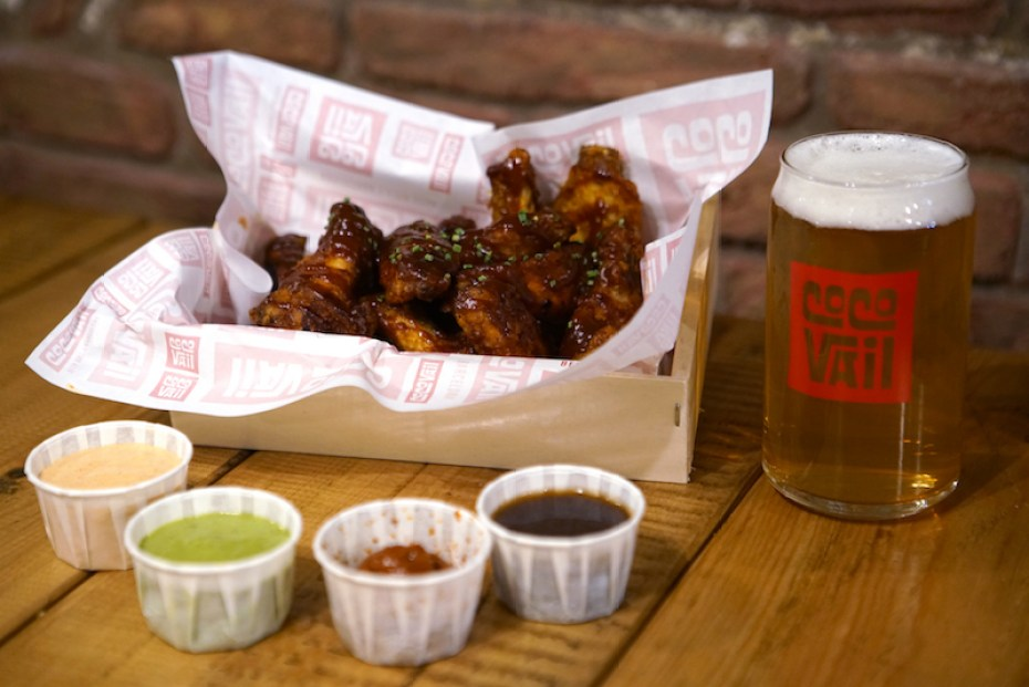American-style chicken wings at Coco Vail Beer Hall Barcelona