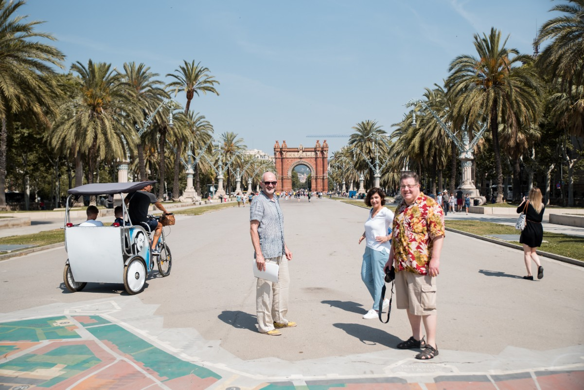 Rafa guiding us to Barcelona's very own Arc de Triomf - on the FLC Barcelona Architecture Tour.