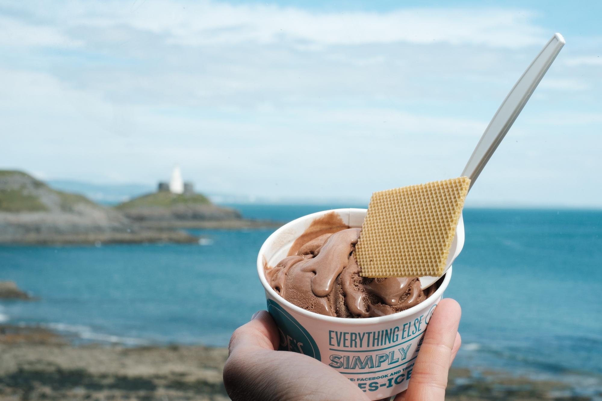 Bracelet Bay with Joe's Ice Cream : Gower Peninsula, Swansea - by Ben Holbrook from DriftwoodJournals.com3