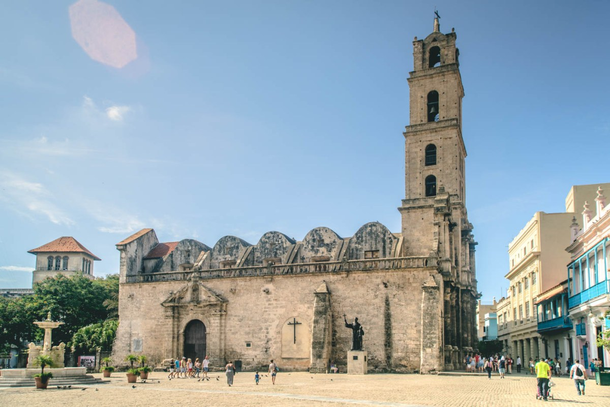 Cathedral Square (Plaza de la Catedral), Old Havana