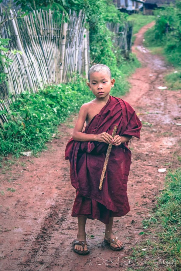 Indonesia Burmese monk-9306