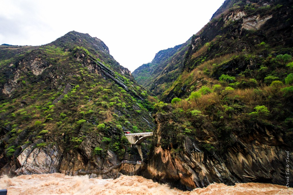 The roaring Jinsha River in the Tiger Leaping Gorge