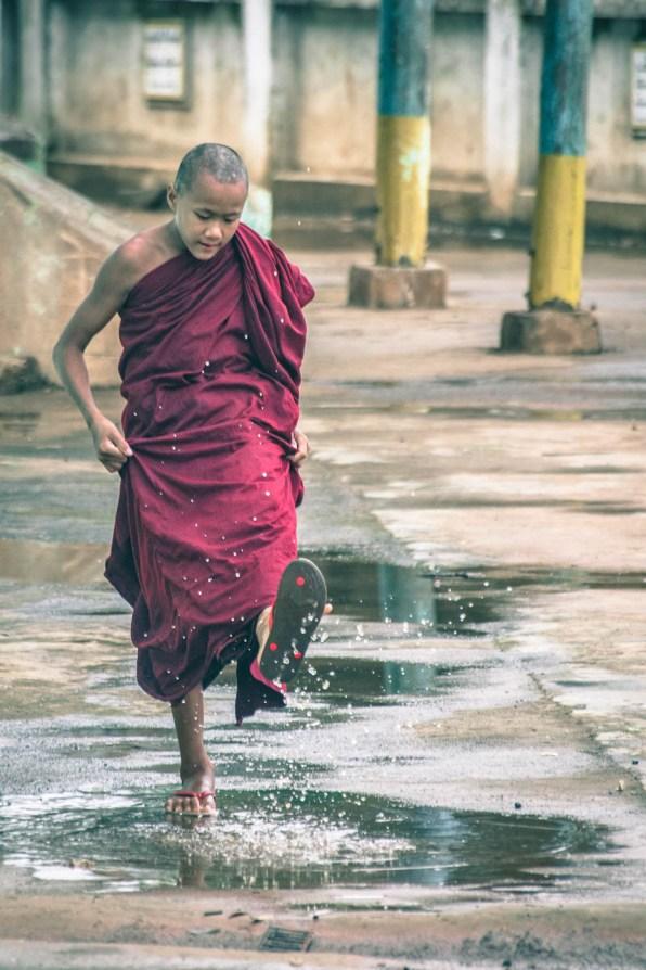 Myanmar Burmese Monk-0703