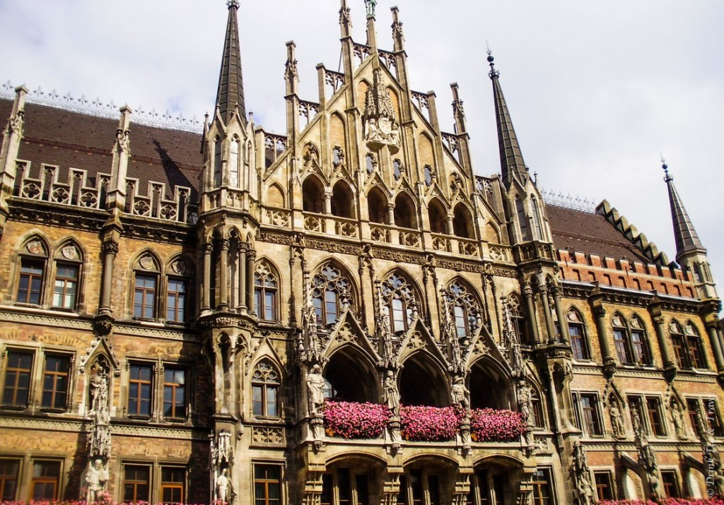 Beautiful architecture at Marienplatz