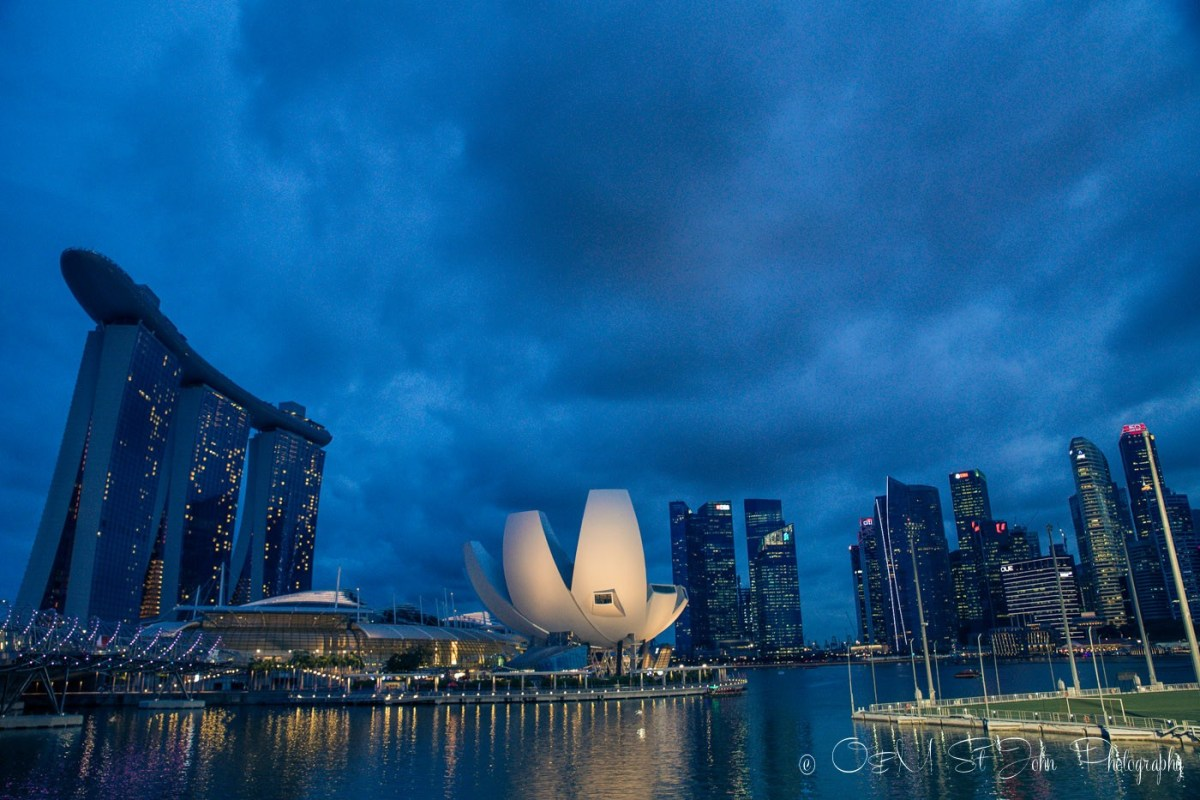 Singapore's Harbourfront. View from the Helix Bridge. Singapore on a budget
