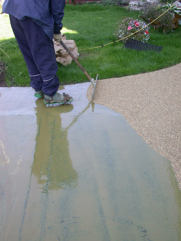resin driveway cost does bonded or bound make a difference